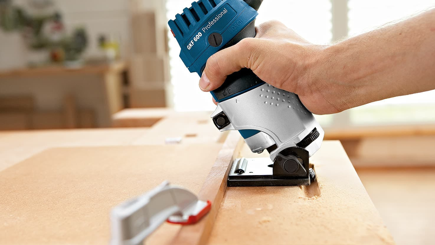 Bosch GKF 600 Palm Router Kit and TE 600 Plunge Base