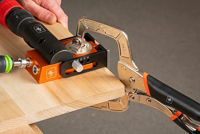 Sawing with a guide rail